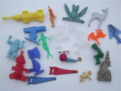 lot cheap junk vintage toys retro cereal box prizes