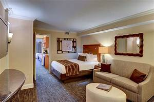 Lancaster county hotels hotels in lancaster pa the eden for Hotel room with sofa bed