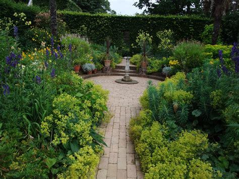 Evolution  The English Garden  The Patient Gardener