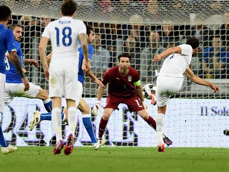 Italy vs England player ratings: Did Andros Townsend's ...