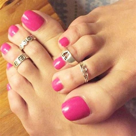 pretty pink toes  pretty toe jewelery pretty toes
