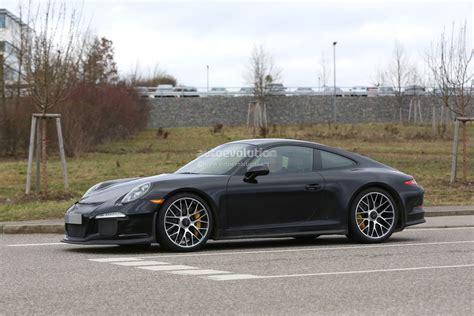 2017 Porsche 911r Spied, Shows Massive Rear Diffuser