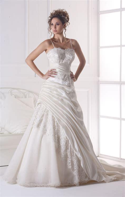 Scopri migliaia di altri annunci come questo nella categoria abbigliamento donna. Abiti Eleganti Roma Eur - Collezione Luna - Abiti da Sposa ...