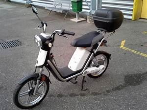 Scooter Electrique Occasion : scooter electrique moto scooter 2 roues d 39 occasion aux ench res agorastore ~ Maxctalentgroup.com Avis de Voitures