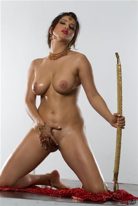 Memek Istimewa Sunny Leone Hottest Boobs In Nude Red