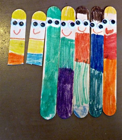 my family preschool week more excellent me 198 | popsicle stick family 895x1024