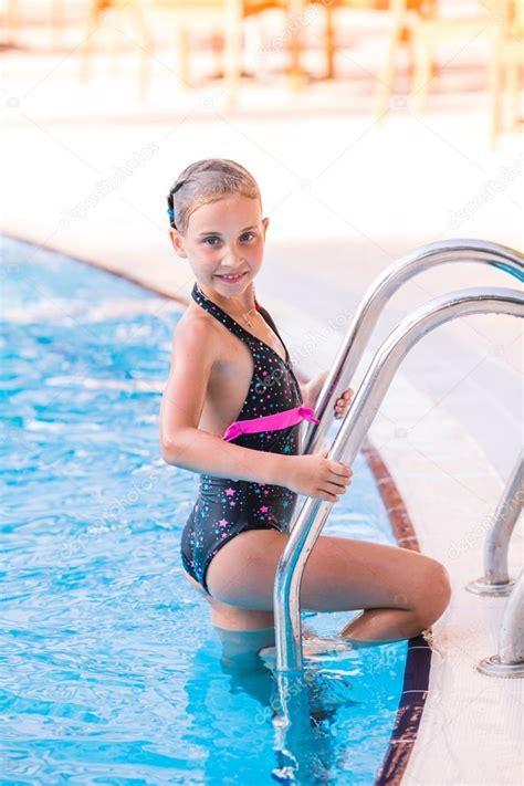 little girl in pool pics images - usseek.com