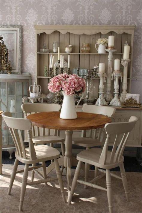 decorer cuisine toute blanche déco et meubles shabby chic dans la salle à manger comment créer une atmosphère vintage