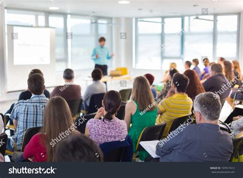 11343 business presentation audience business presentation audience speaker business conference
