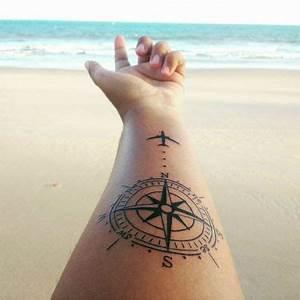 Tatouage 3 Points : tatouage voyage avant bras rose des vents et avion ~ Melissatoandfro.com Idées de Décoration