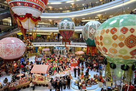top    christmas mall decorations