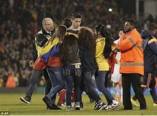 Image James Rodriguez Mobbed By Female Colombia Fans