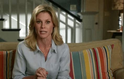 Julie Bowen Tv Actor Gifs Search Find Make Share Gfycat Gifs