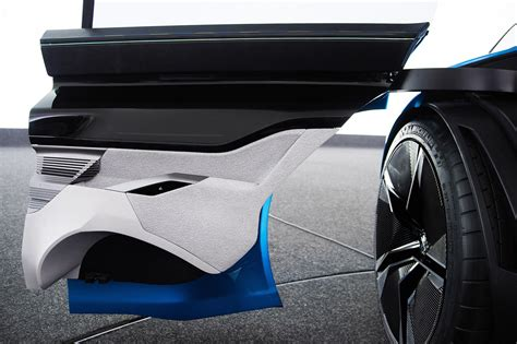 8 Show Stopping Details On The Peugeot Instinct Concept