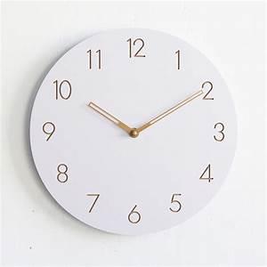 Horloge Murale Blanche : horloge murale blanche en bois simple et moderne sans ~ Teatrodelosmanantiales.com Idées de Décoration
