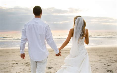 Beach Wedding : Beautiful Couple Wallpapers Pictures