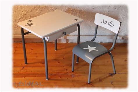 table bureau enfant ensemble bureau chaise d 233 colier enfant vintage gris blanc