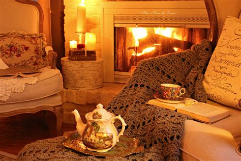 Cozy Christmas Home Decor: Aiken House & Gardens: Warm & Cozy Christmas