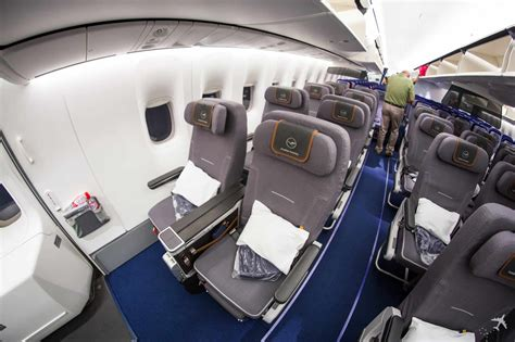 upgrade  premium economy   worth  extra cost