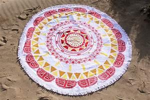 Serviette Ronde Eponge : serviette de plage ronde boh me tendances du monde ~ Teatrodelosmanantiales.com Idées de Décoration