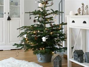 Geschmückte Weihnachtsbäume Christbaum Dekorieren : die sch nsten ideen f r deine weihnachtsdeko ~ Markanthonyermac.com Haus und Dekorationen