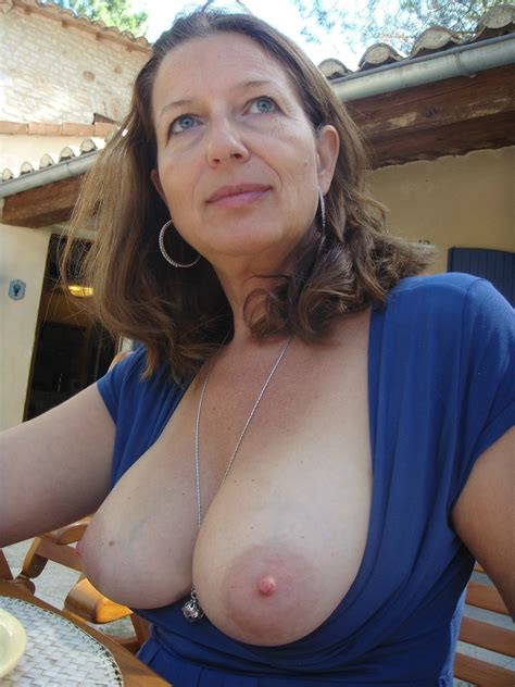 Brunette With Nice Big Natural Boobs Private Milf Pics