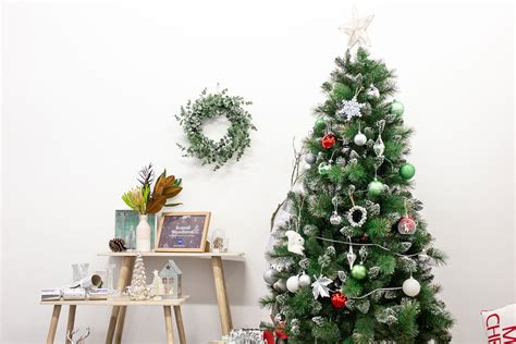 Big W Christmas Decorations, Crafts, Hacks & Ideas For