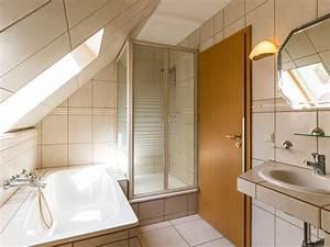 Wanne Und Dusche Kombiniert : wanne mit dusche komplettbad mit wanne dusche waschtisch und wc in with wanne mit dusche ~ Indierocktalk.com Haus und Dekorationen