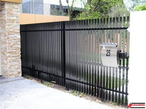 modern metal fencing modern metal fence decorating 26 with amazing design on fence design ideas fence ideas