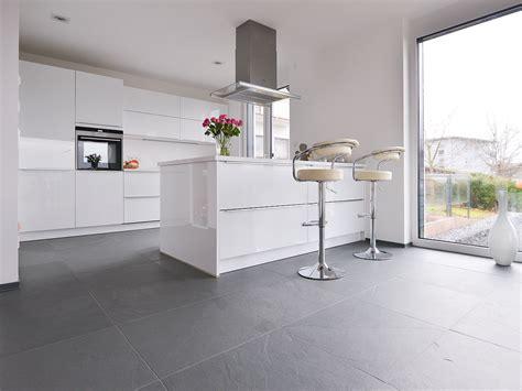 cuisine gris ardoise davaus cuisine blanche avec carrelage gris avec