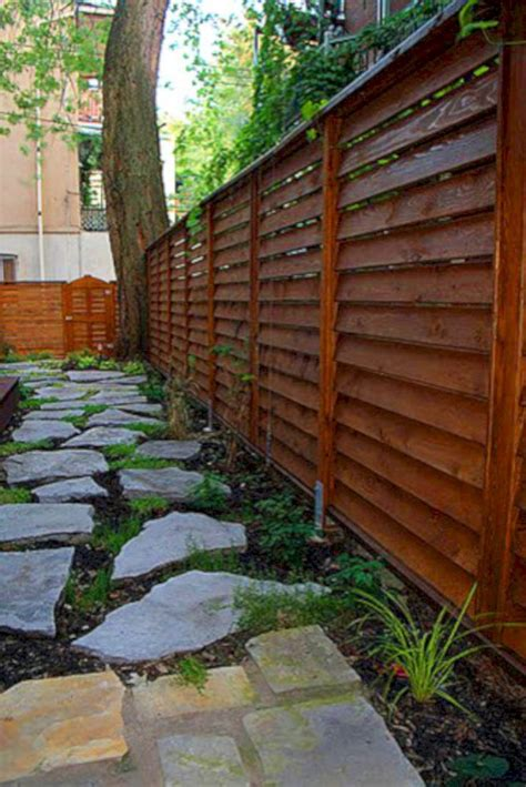 Backyard Fence Options by Best 25 Diy Backyard Fence Ideas On Diy Fence