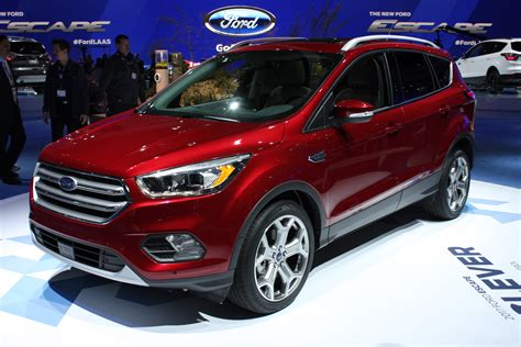 2017 Ford Escape Debuts With New Look, More Tech