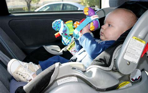 siege auto comment choisir comment bien choisir siège auto drôles de mums