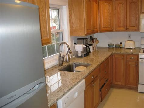 kitchen paint colors with golden oak cabinets golden oak cabinets home giallo