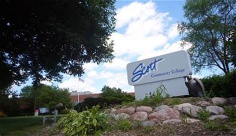 Qc Trails  Scott Community College Sidepath. Salt Lake City Community Colleges. Methadone Is Used To Treat Addiction To. Website Development Minneapolis. Santander Business Online Banking. New Zealand Bank Account Salary Medical Coder. 3 Bureau Credit Report And Score. How Much Are New Ac Units Price Lexus Es 350. Independent Software Developer