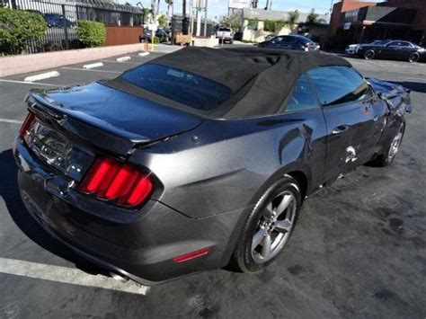 ford mustang  convertible wrecked project  sale
