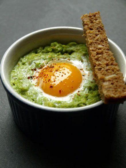 cuisine a base d oeuf les 25 meilleures idées de la catégorie toast à l 39 avocat sur petit déjeuner avocat