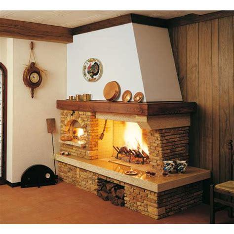 camini rustici con forno a legna caminetti rustici dal gusto intramontabile
