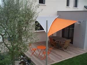 Toile Pour Terrasse : toile en triangle pour terrasse installer une voile d ~ Premium-room.com Idées de Décoration