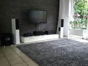 Teppich Im Wohnzimmer : wohnzimmer mit neuem teppich teppich wohnzimmer hifi bildergalerie ~ Frokenaadalensverden.com Haus und Dekorationen