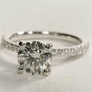 How to find discount diamond engagement rings online for Discount diamond wedding rings