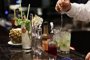 Service à Mojito : essential liquors and mixers to stock in your home bar ~ Teatrodelosmanantiales.com Idées de Décoration