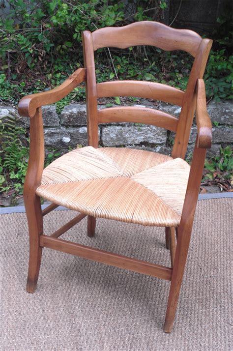 ancien fauteuil en merisier de style louis philippe assise