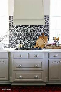 Black and white mosaic tile kitchen backsplash with gray for What kind of paint to use on kitchen cabinets for ceramic art wall tiles