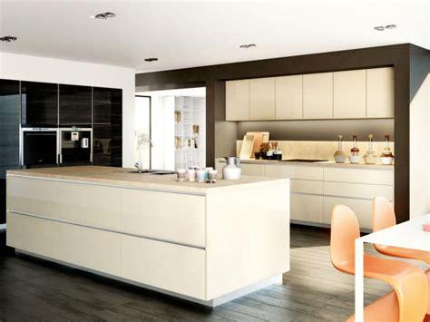 cuisine sans poignee cuisine moderne sur mesure meubles de cuisines cuisines