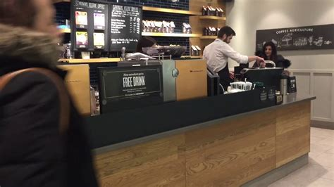 Never one to leave behind progressive ideas, starbucks recently announced that they are going to bring the famed clover coffee machine to several of its brooklyn. Starbucks new Clover Coffee Machine - Coffee Magic reverse French Press - YouTube