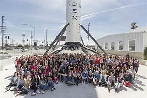 SpaceX women pushing the boun... - SpaceX Office Photo ...