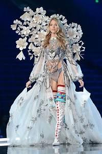 Cum a fost la Victoria's Secret Fashion Show 2017 - Glamour.ro