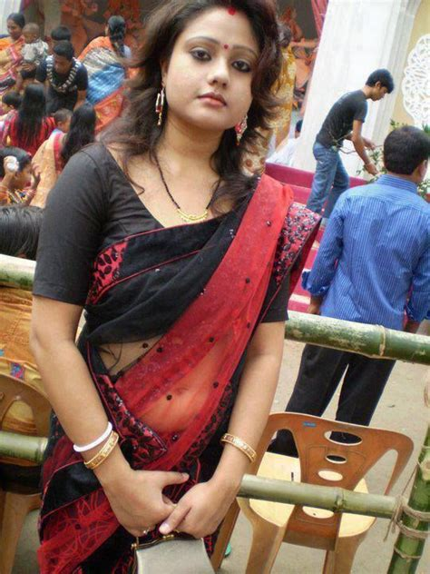sexy aunty in saree people east indian pinterest sexy models and blog