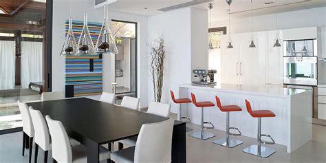 faire une cuisine ouverte cuisine vue sur le salon miliboo